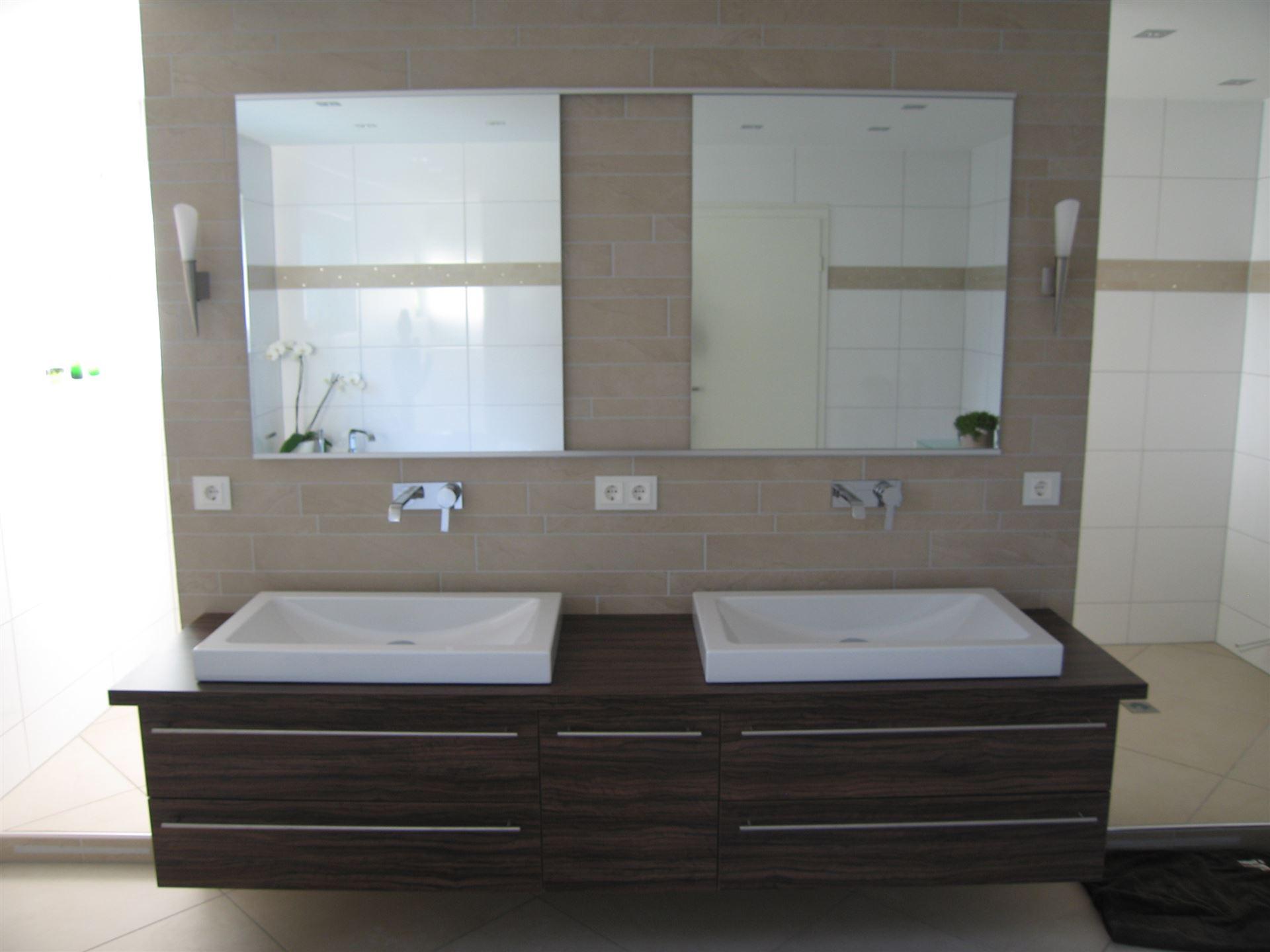 Weitere Badezimmer Impressionen.